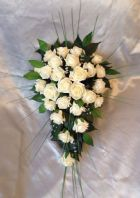 ARTIFICIAL FLOWERS IVORY ROSE BRIDE WEDDING SHOWER TEARDROP BOUQUET BEARGRASS